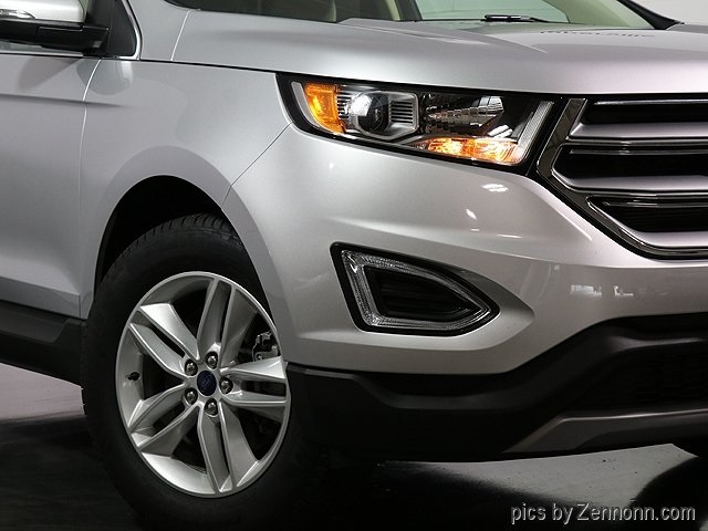 Pre Owned  Ford Edge Awd